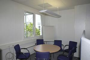 Salas de aula, escritorio e Guaritas 10
