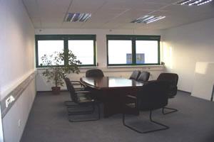 Salas de aula, escritorio e Guaritas 23