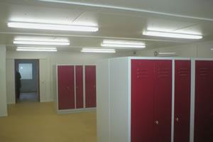 Salas de aula, escritorio e Guaritas 27
