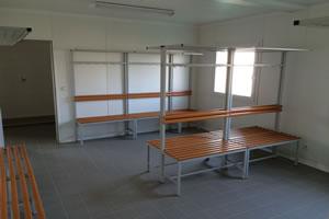 Salas de aula, escritorio e Guaritas 5
